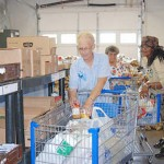 Shopping at Kentucky food bank/Courtesy Central Kentucky News